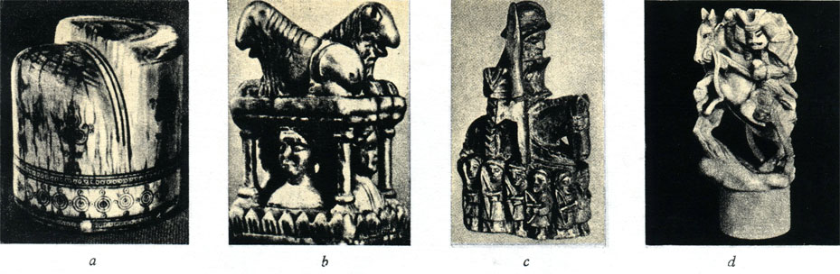 а - Средневековая арабская фигура шахматного короля, b - шахматная ладья XII века, c - фигура шахматного слона немецкой работы (XIV в.) , d - конь японской работы прошлого столетия, сделанный в стиле старинных скульптур