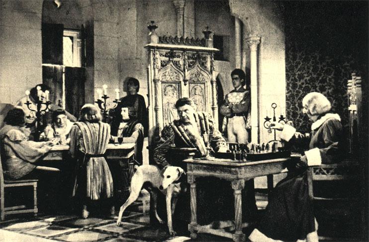 Шахматы считались среди французской аристократии изысканной игрой. Кадр из французского фильма 'Вечерние посетители' (1942 г.)