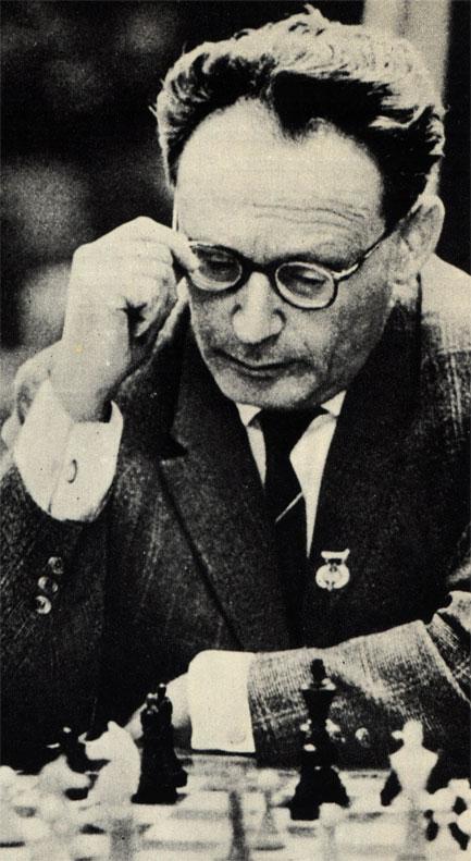 С 1948 года по 1963 год скипетр шахматного короля принадлежал Михаилу Ботвиннику. Временно он уступал его В. Смыслову (1957-1958) и М. Талю (1960-1961)