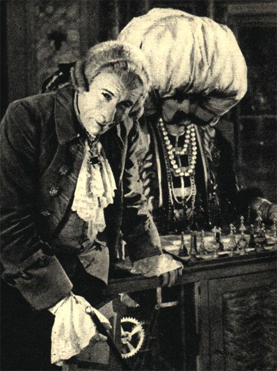 В фильме французского режиссера Раймона Бернара 'Игрок в шахматы', поставленном им в 1926 году по роману А. Дюпюи-Мазюэля, роль Кемпелена играл актёр Шарль Дюллен