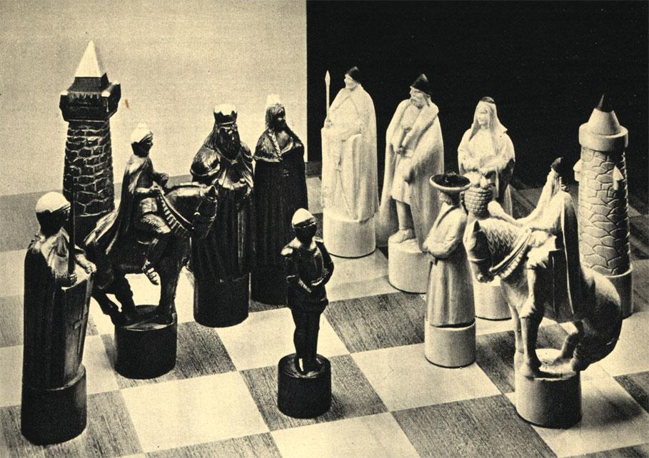 Выточенный из дерева комплект чешских шахмат изображает участников войны 1422 года: гуситы под водительством Яна Жижки (белые) и армия императора Сигизмунда Люксембургского (черные)