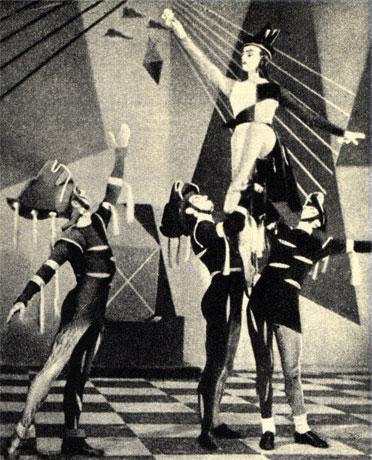 Балет 'Шах и мат' в исполнении английского ансамбля Садлерс Уэльс (1947 г.). Красный рыцарь атакует черную королеву